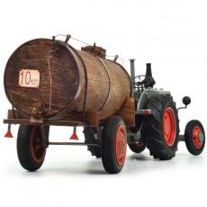 Tractor Lanz Bulldog con cuba de estiércol - Miniatura 1:32 - Schuco 450769400 detalle cuba