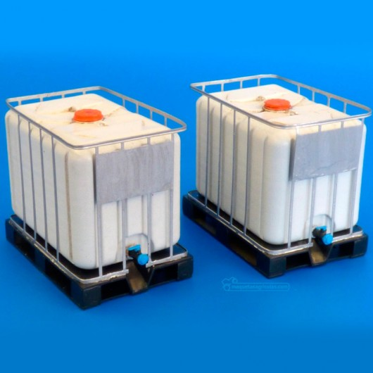 Kit depósito de 600 litros para líquidos - Para Maquetar - Miniatura 1:35 - Plus Model 512