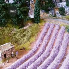 10 Tiras de hierba lavanda de 10 cm de largo y 6 mm de alto - Miniatura Heki 1826 ejemplo de diorama