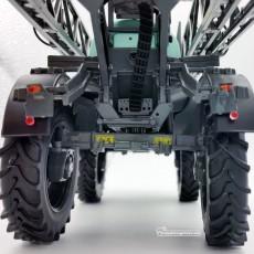 Carro pulverizador Berthoud New Raptor - Miniatura 1:32 - Replicagri REP164 detalle posterior inferior