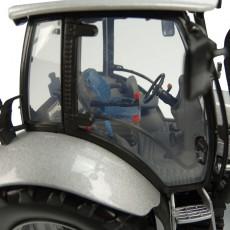"Deutz-Fahr Agrotron MK3 - Edición Limitada ""Diseño Especial No. 555"" - Miniatura 1:32 - UH5396 detalle cabina"