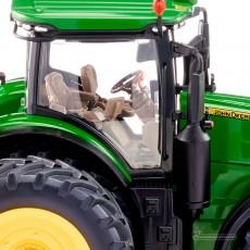 Tractor John Deere 7310R doble rueda - Miniatura 1:32 - Wiking 077846 detalle cabina