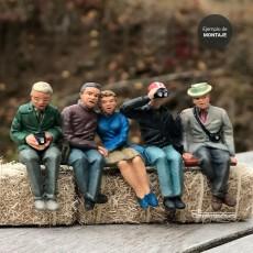 Grupo de 5 personas sentadas - para pintar - Miniatura 1:32 - Artisan 04872 ejemplo acabado