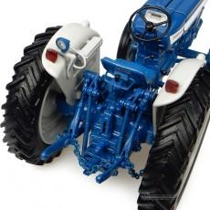 Tractor Ford 5000 - Réplica 1:32 - UH2808 detalle elevador trasero