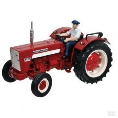 Tractor INTERNATIONAL 624 con conductor -  Miniatura 1:32- Replicagri REP031