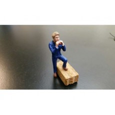 Agricultor comiendo un bocadillo (Buzo azul) - Miniatura 1:32 - ADF 32120