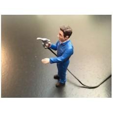 Agricultor repostando gasoil (Buzo azul) - Miniatura 1:32 - ADF 32123