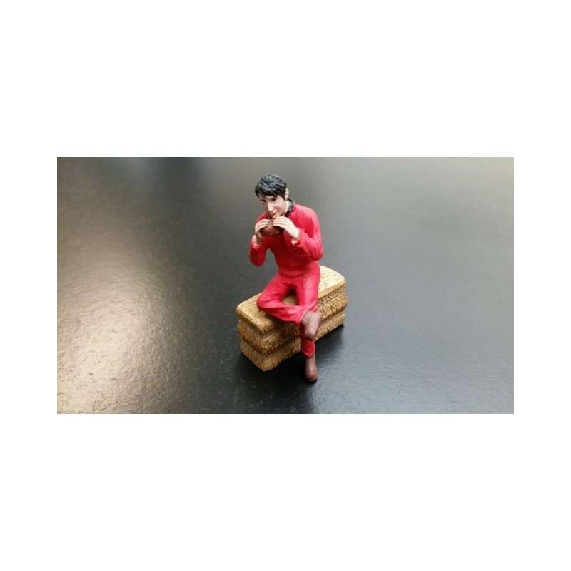 Agricultor comiendo un bocadillo sentado (Buzo rojo) - Miniatura 1:32 - ADF 32128