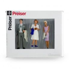Transeúntes bien vestidos (2 mujeres y 1 hombre) - Miniatura 1:32 - Presier 63068 caja